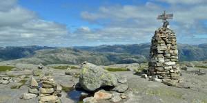 Markierung eines norwegischen Wanderwegs