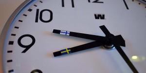 Uhr mit zwei Zeitzonen