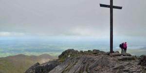 Gipfelkreuz auf dem Carauntuohil