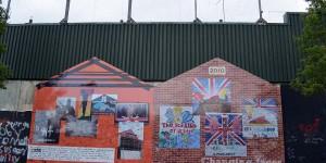 Die Peace Wall teilt Belfast