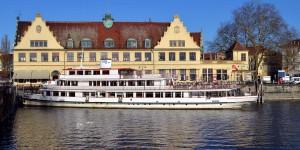 Schiff im Lindauer Hafen