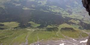 Blick aus der Eiger Nordwand in die Tiefe