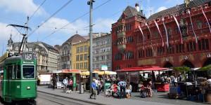 Vor dem Rathaus in Basel