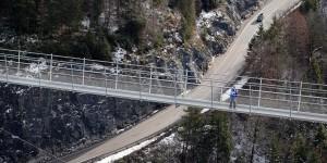 Brücke über der Bundesstraße