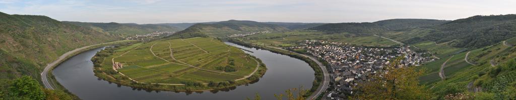 Panorama am Calmont-Klettersteig (23 MB, 12606x3707 Pixel)