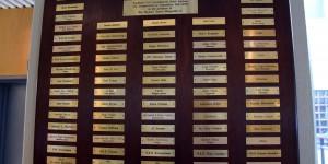 Tafel mit prominenten Hotelgästen