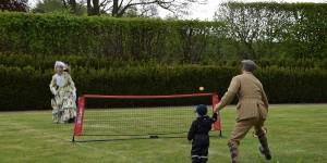 Tennis in historischen Kleidern