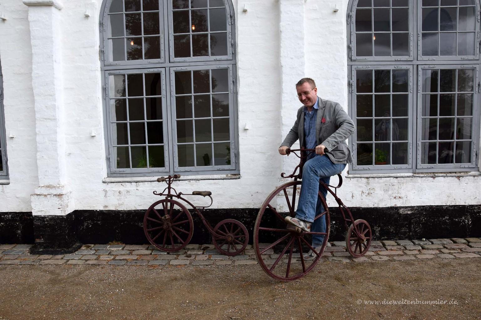 Michael Moll auf einem Hochrad