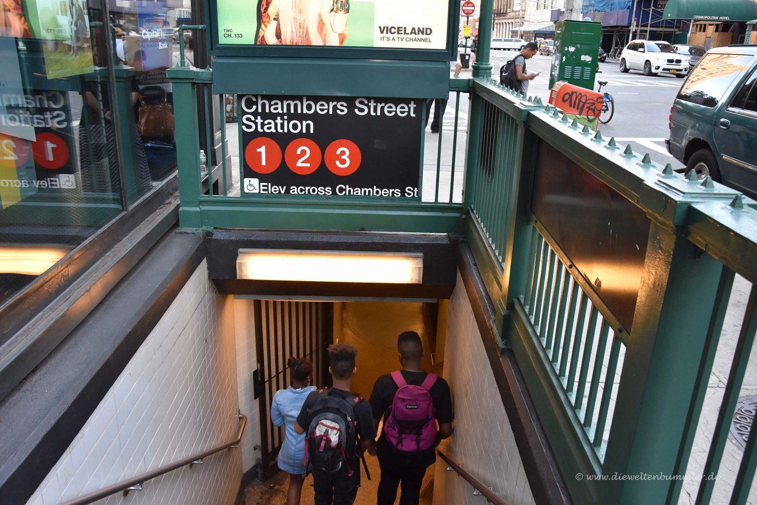 Eingang zur U-Bahn