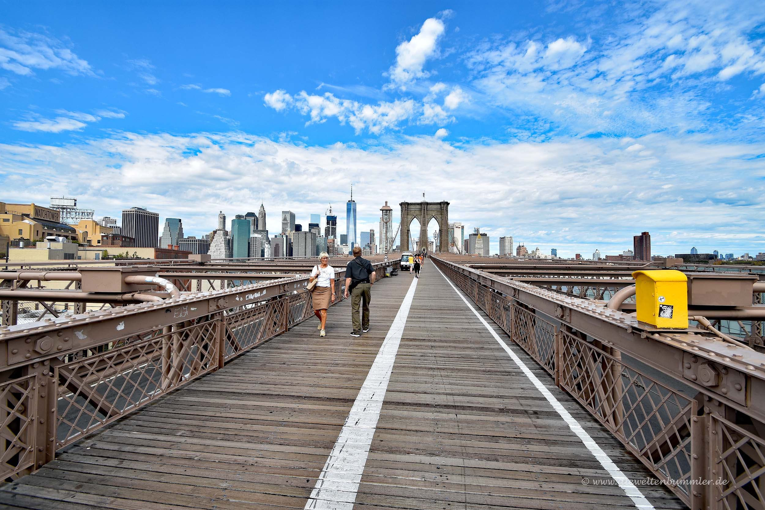 Brooklyn Bridge über dem East River