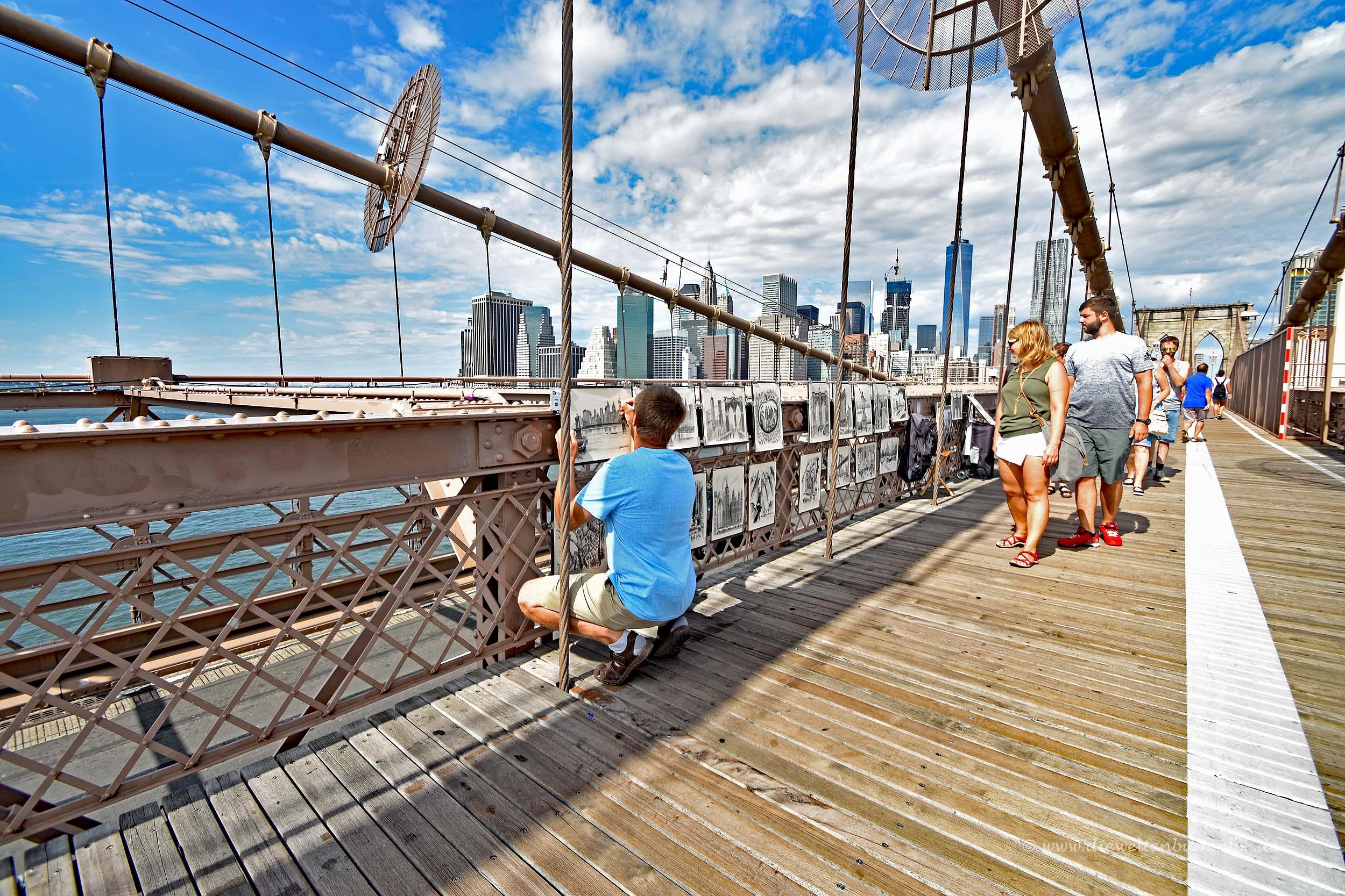 Straßenhändler auf der Brooklyn Bridge