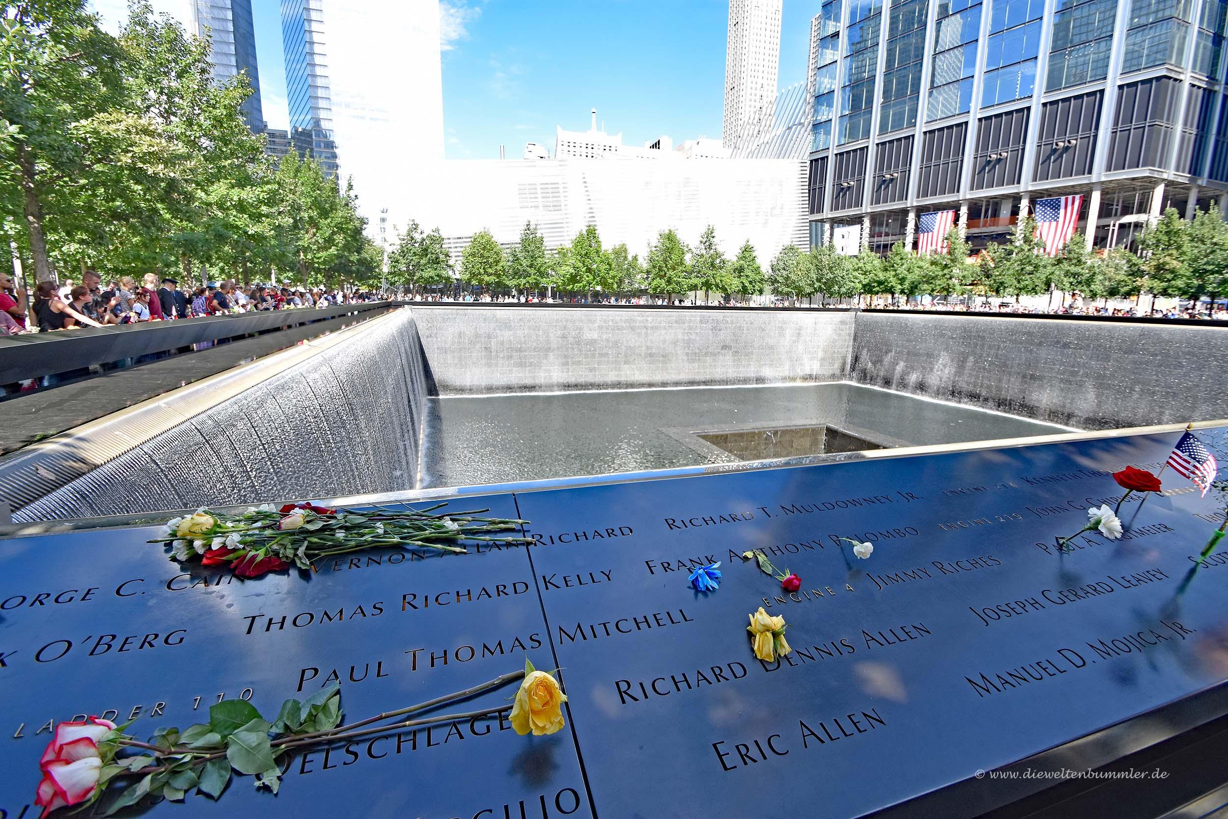 Einer der beiden Memorial Pools