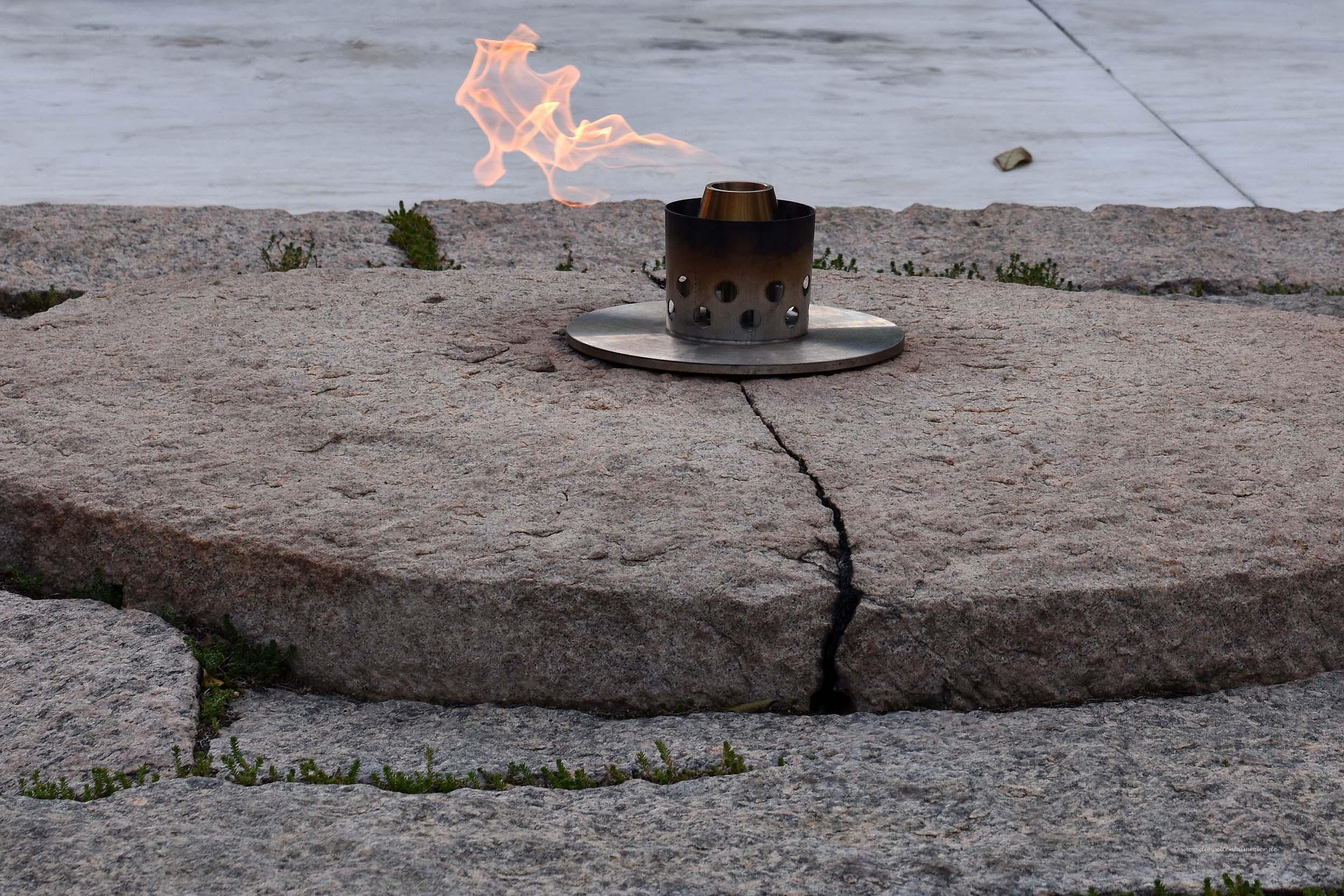 Ewige Flamme am Grab von Kennedy