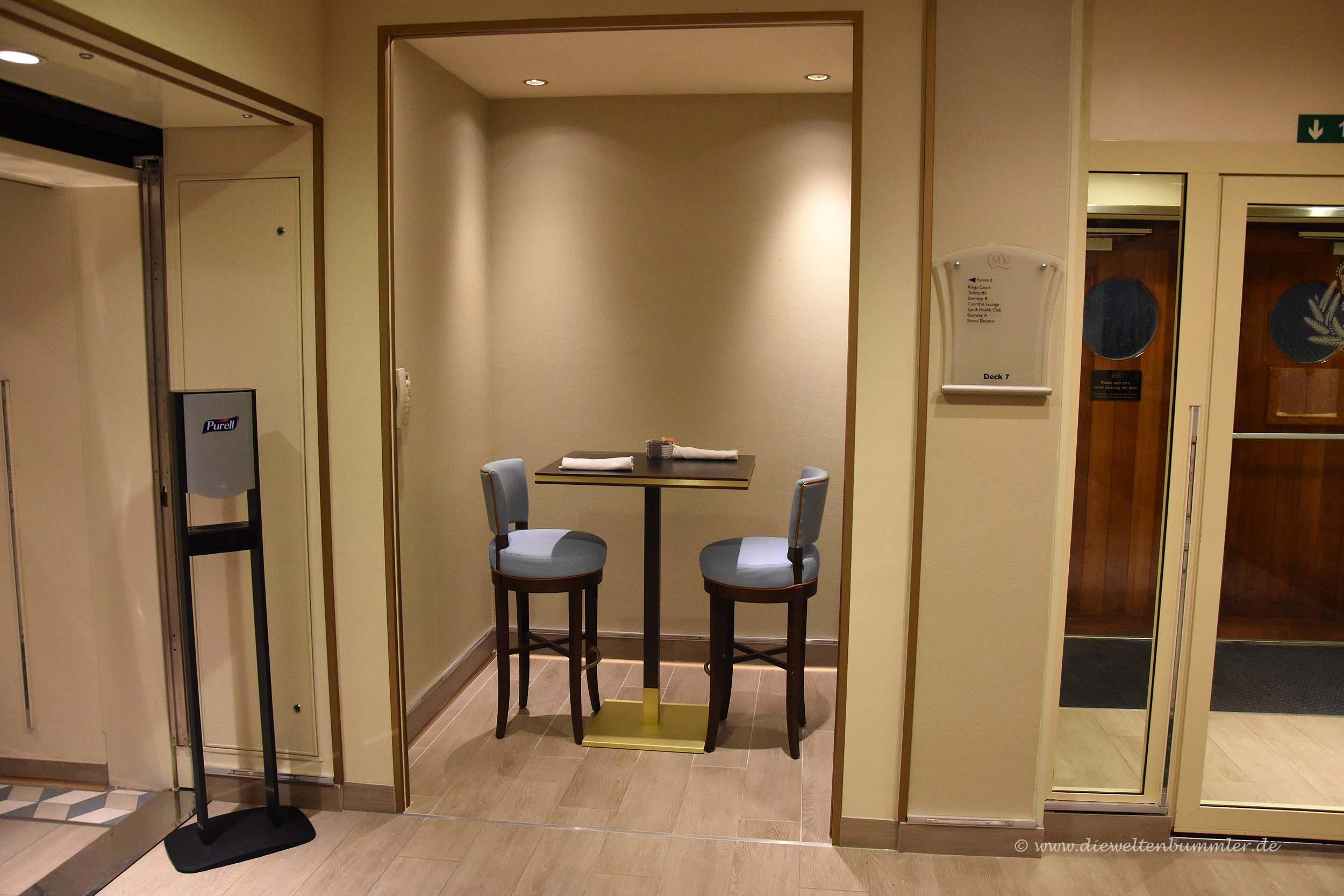 man kann auch alleine sitzen die weltenbummler. Black Bedroom Furniture Sets. Home Design Ideas