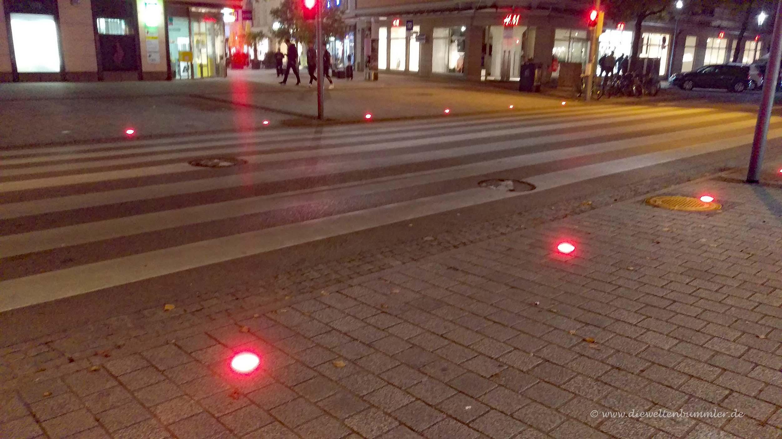 Rote Ampel im Boden