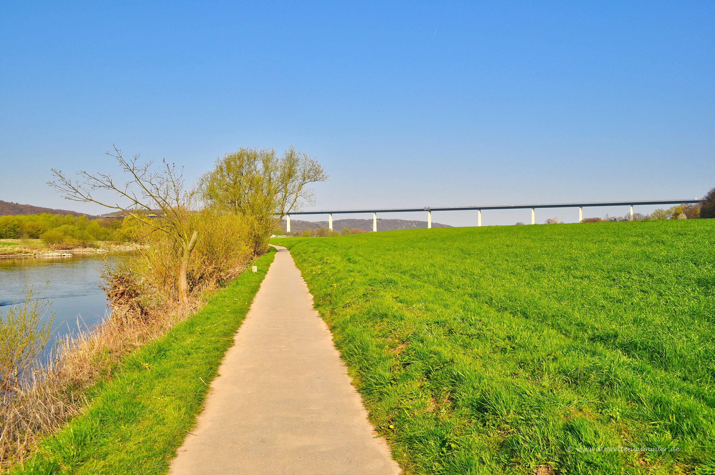 Ruhrtalradweg an der Brücke in Kettwig