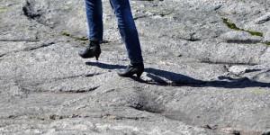 Wandern mit Stöckelschuhen