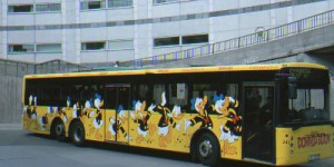 Linienbus mit Donald Duck