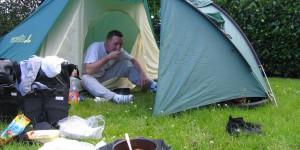 Zelt auf einem holländischen Campingplatz