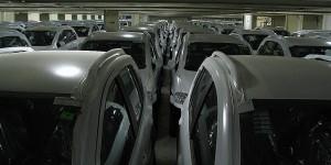 Autos im Schiffsbauch