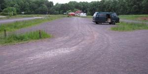 noch leerer Parkplatz