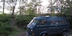 VW-Bus vor der Übernachtung