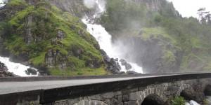 Brücke am Vorringsfossen