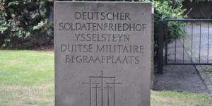 Eingang zum Soldatenfriedhof in Ysselsteyn