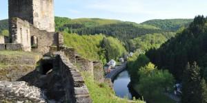 Burgruine oberhalb der Sauer