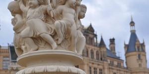 Skulptur an der Schlossbrücke
