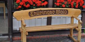 Sitzbank an der Touristeninformation