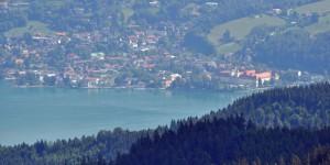Fernsicht auf den Tegernsee und das Schloss
