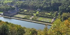 Schloss an der Maas