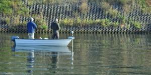 Angler auf der Maas