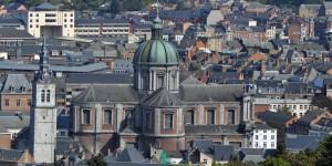 Blick auf die Kathedrale von Namur