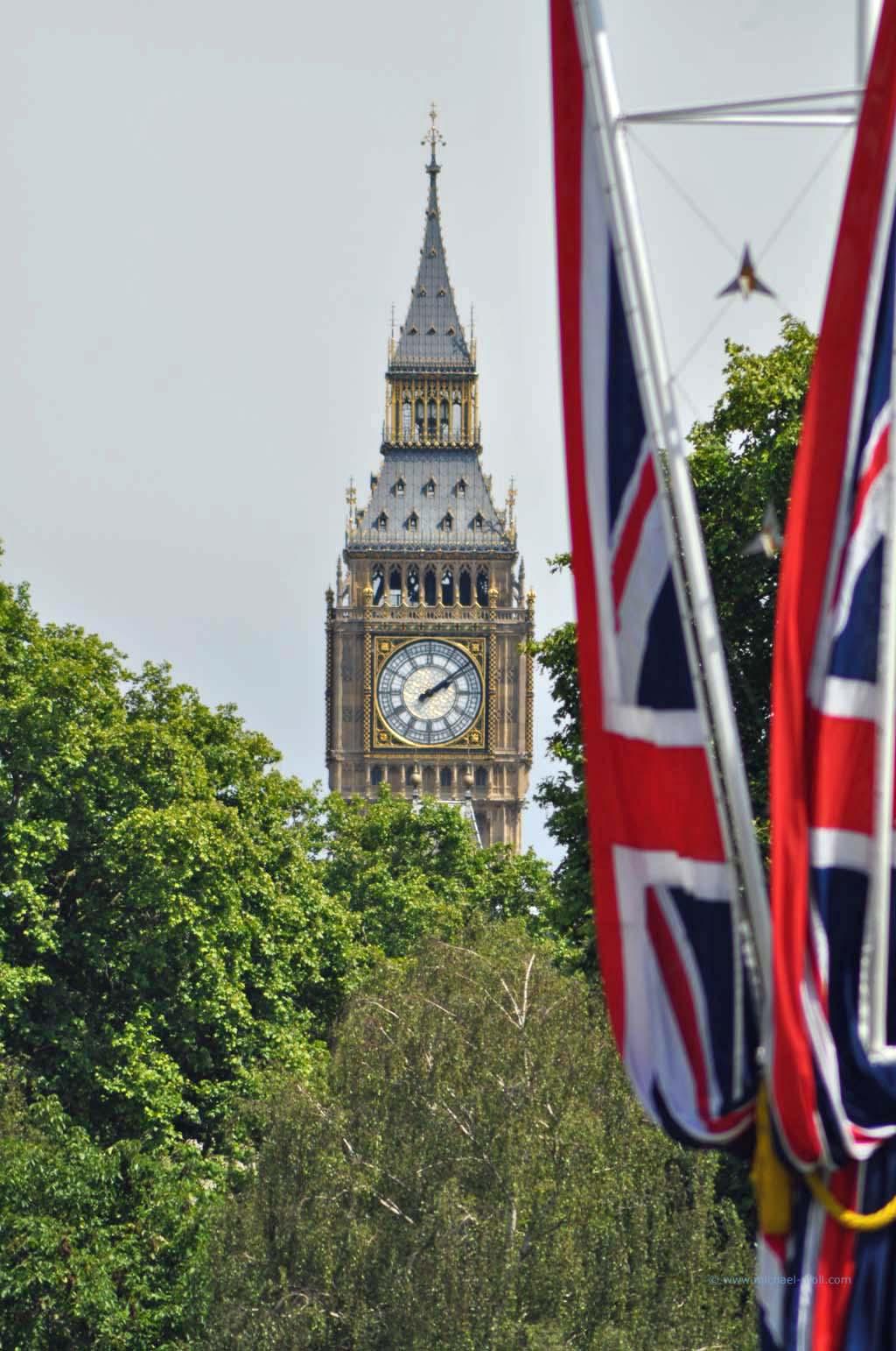 Big Ben und britische Flagge
