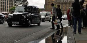 Big Ben spiegelt sich