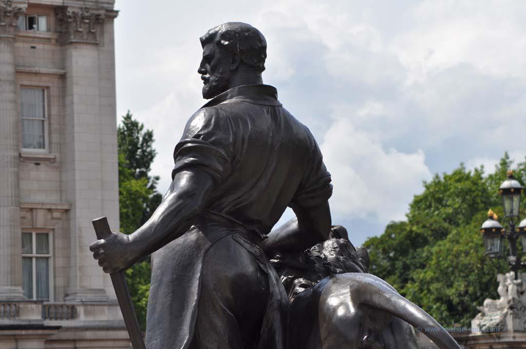Skulptur am Victoria Monument