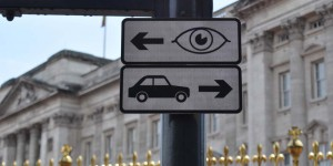 Auf den Linksverkehr achten