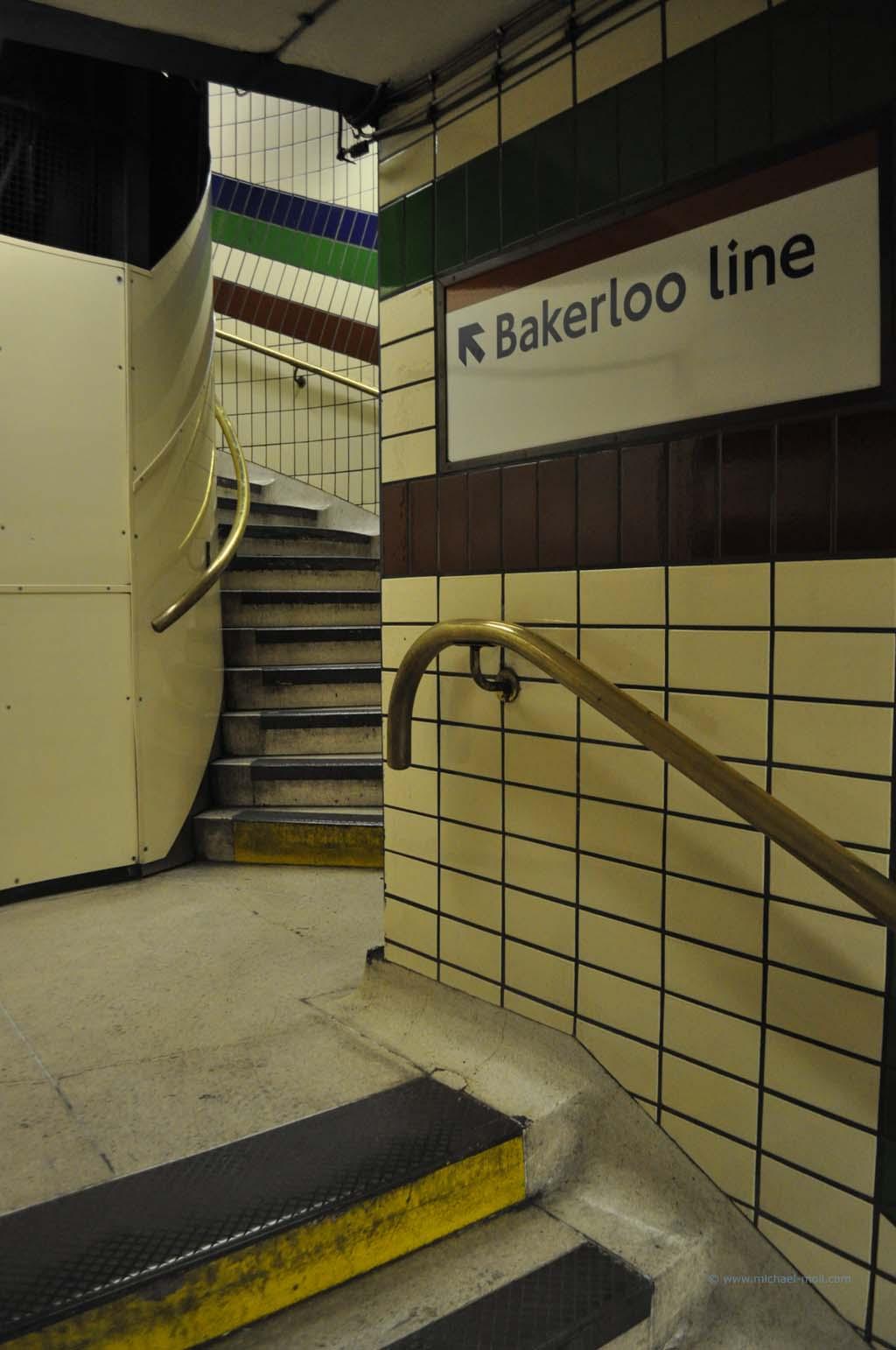 Aufgang in der Londoner U-Bahn