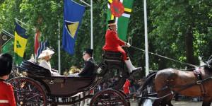 Camilla und Kate in der Kutsche