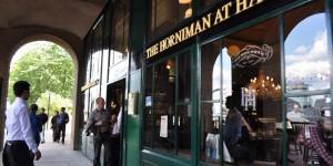 Pub an der Themse