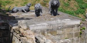 Skulpturen im Tower