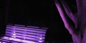 Leuchtende Parkbank