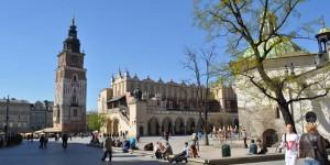Tuchhalle und Rathausturm in Krakau