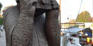 Skulptur im Hafen