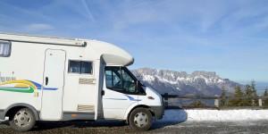 Wohnmobil auf der Rossfeldpanoramastrasse