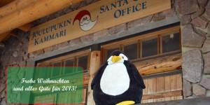 Pingu vor dem Weihnachtsmannhaus