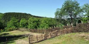 Keltische Bauten oberhalb der Ourthe