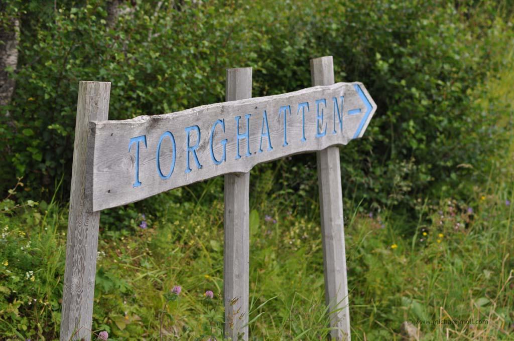 Schild zum Torghatten